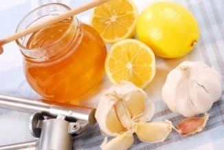 Treatment of sore throes with lemon