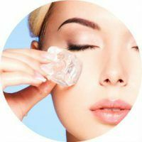 Tips cosmetologists how to wipe your face with ice cubes