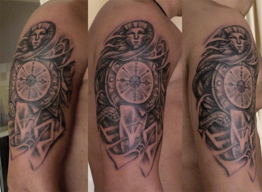 Tatu compass cosa significa per uomini ragazze in for Bussola tattoo significato