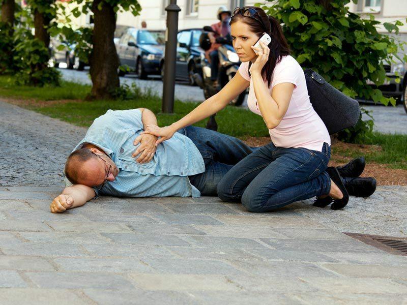 hvordan stoppe neseblod klemme