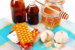 Honey for throat treatment