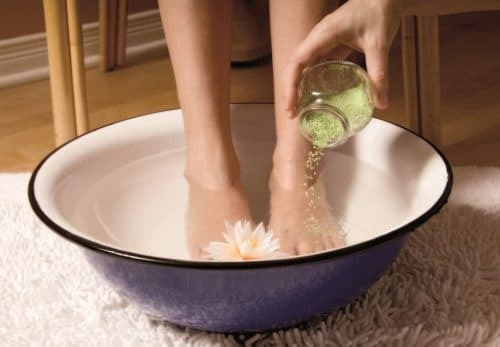 Foot baths for the treatment of tracheitis