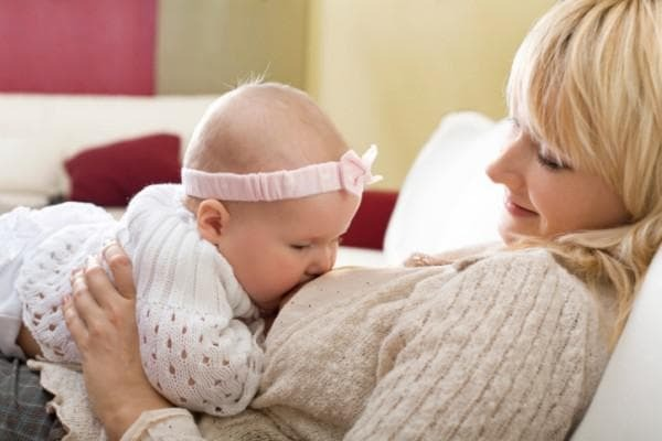 Breastfeeding and the use of breast broth